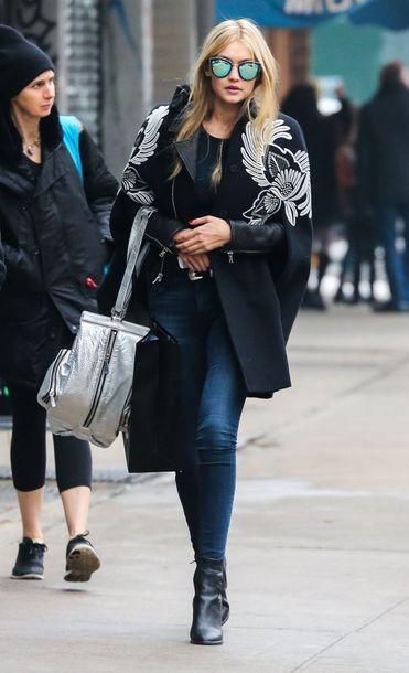 coat gigi hadid black white flowers fashion