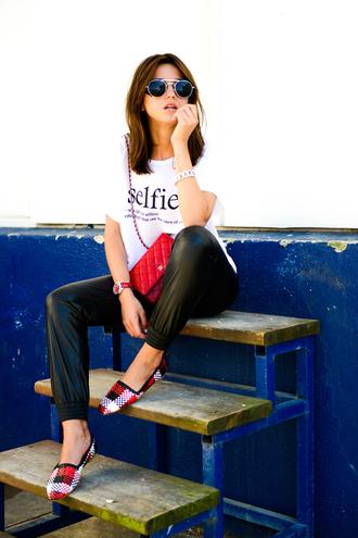 lovely pepa pants t-shirt bag jewels sunglasses