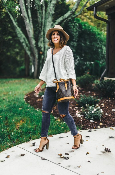 life & messy hair blogger sweater shoes hat jewels fall outfits felt hat louis vuitton bag bucket bag sandals
