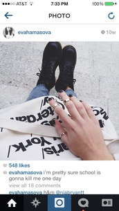 bag,american apparel,nails,dope,swag,grunge,hipster,tumblr,tumblr clothes,cute,indie,tote bag,jeans,shoes