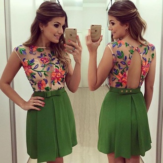 dress colorful