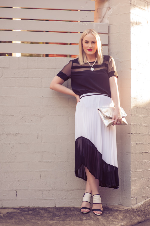 the blonde silhouette blogger skirt top bag shoes jewels