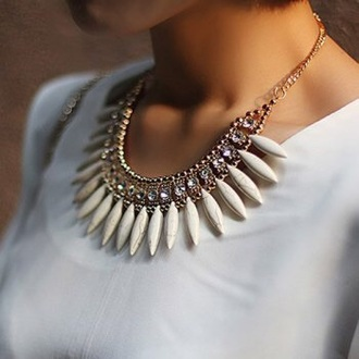 jewels necklace spikes design