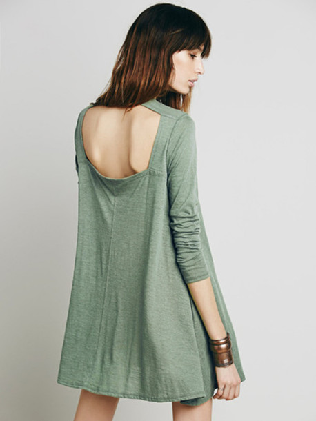 dress green basic dress minimalist blouse cut-out casual fall outfits oversized long sleeves open back short dress