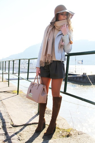 dream love shop blogger scarf floppy hat leather shorts pink bag knee high boots suede boots blue jacket