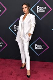 jacket,suit,pants,white,victoria beckham,white blazer,blazer,celebrity,people's choice awards