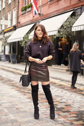 the little magpie blogger skirt sweater shoes