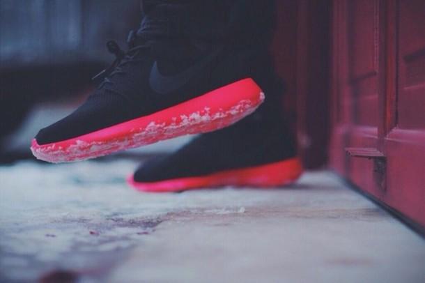shoes, nike, nike roshe run, red, black