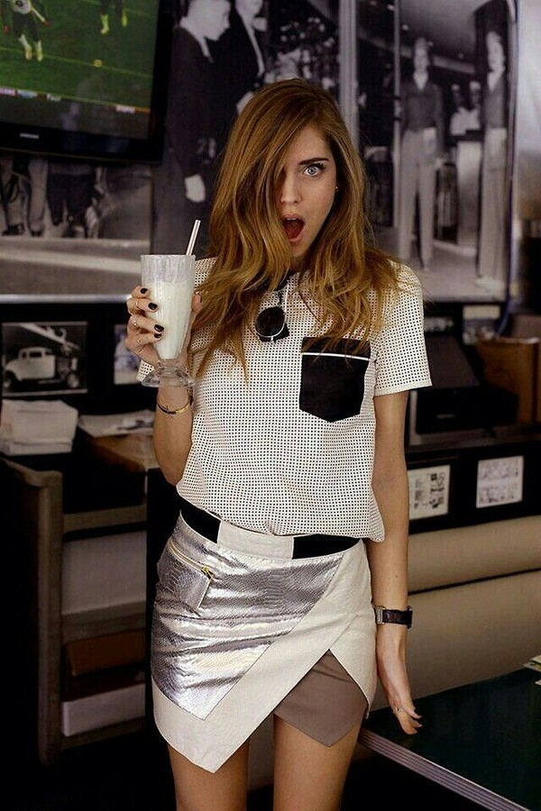skirt bottoms black silver white outfit fashion look asymmetrical t-shirt pants