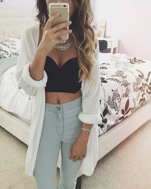 cardigan where can i get it !! jewels jeans shirt white white cardigan top crop tops high waisted jeans light blue jeans bustier crop bust bralette blouse black summer princess white crop tops black crop top style croptop blackandwhite body goals knitted cardigan