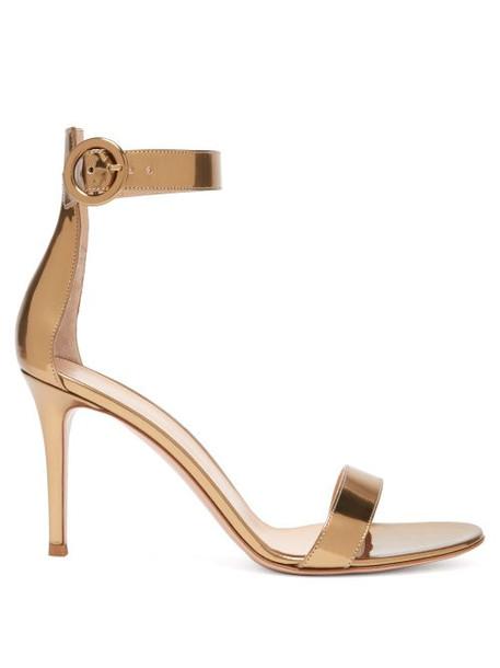 Gianvito Rossi - Portofino 85 Metallic Leather Sandals - Womens - Gold