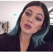 make-up,mac cosmetics,kylie jenner,lipstick,lips,lip liner,liner,pink,matte lipstick,matte