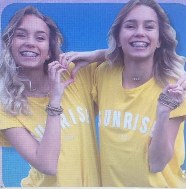 t-shirt yellow white t-shirt jaune blanc leli lisa and lena
