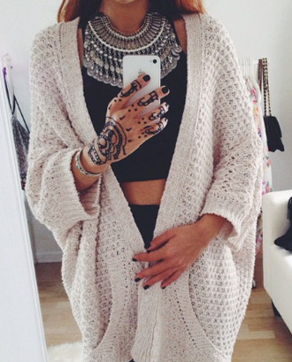 jewels fall outfits cardigan necklace top style girl beige cardigan fall outfits black top black pants girly