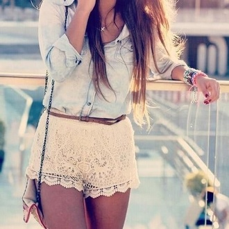 shorts clothes shirt belt lace shorts white lace shorts lace white shell pattern summer fabric blue top denim brown jewels flowered shorts inspiration brown belt jeans chambray denim jacket jewerly cross necklace summer outfits blouse style dentelle short chemise en jeans jacket