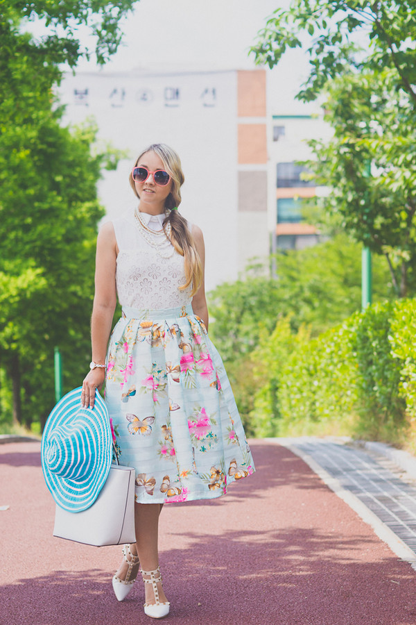 my blonde gal skirt bag dress top sunglasses shoes jewels