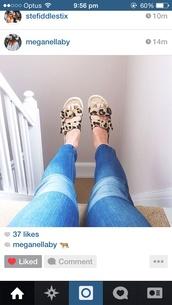 shoes,birkenstocks,leopard print,jeans,sandals