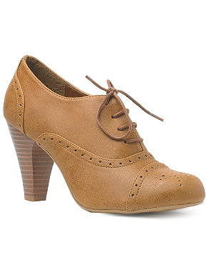 Punched Shoe Boot