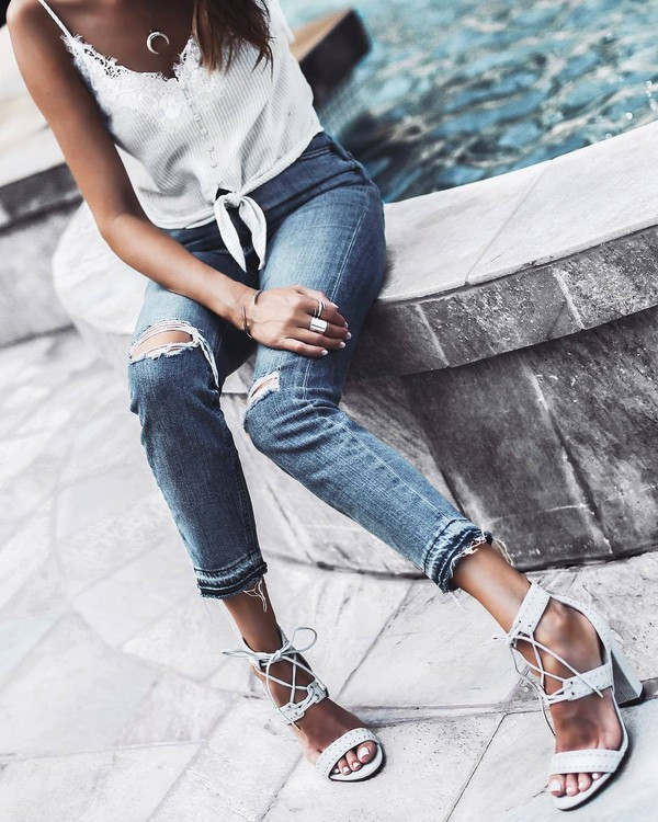 jewels silver ring top blue jeans tumblr jewelry necklace gold necklace ring silver jewelry accessories white top jeans denim ripped jeans sandals sandal heels shoes horn horn necklace crescent pendant