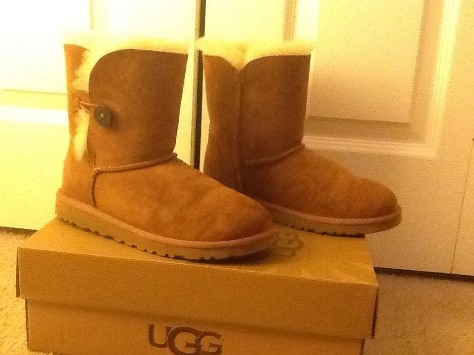 UGG Australia Bailey Button Women's Boots 5 | eBay