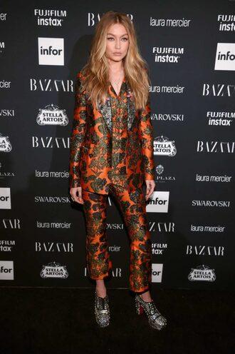 pants suit gigi hadid model off-duty nyfw 2017 ny fashion week 2017 two-piece shoes