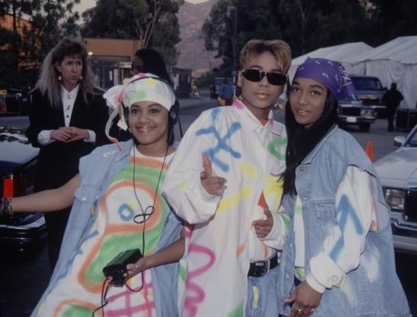 t-shirt old school 90s style baggy pants denim amazing bandana dope black girls killin it tlc trill