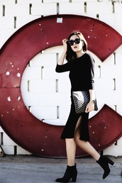 her imajination,blogger,dress,bag,sunglasses,shoes,printed pouch,pouch,black dress,midi dress,slit dress,black sunglasses,boots,black boots,high heels boots,fall outfits,office outfits