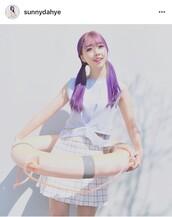 skirt,white,striped skirt,cute,korean fashion,casual,pastel,cute skirt,tennis skirt,white tennis skirt,stripes,adorable outfit,korean celebrities,korean style