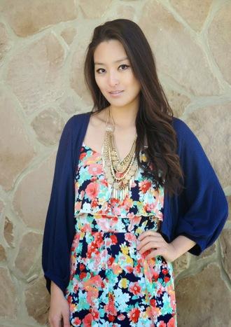 sensible stylista blogger dress jewels cardigan