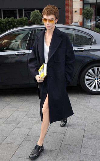 shoes coat fall outfits cara delevingne streetstyle model off-duty