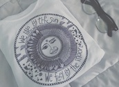 top,white top,moon,suglases,croptop blackandwhite,black t-shirt,white t-shirt,t-shirt,shirt,sun,tumblr