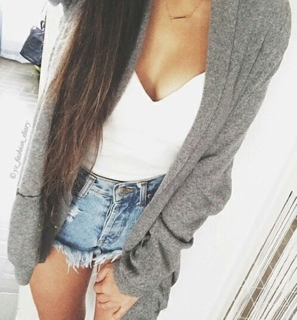 cardigan grey sweater knitted cardigan top shorts jeans blouse white gray cardigan chunky t-shirt denim shorts white tank top jacket long hair brunette oversized cardigan grey cardigan ripped shorts cute sweaters pale spring outfits summer outfits straight hair white crop tops white tank top glamour sexy johnnygetssexy pretty loveher high waisted jeans High waisted shorts light jeans shirt