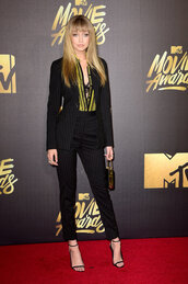 shirt,pants,jacket,suit,gigi hadid,sandals,mtv movie awards,model off-duty,shoes