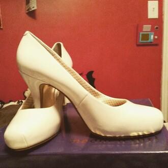 shoes zooshoo zooshoo shoes zooshoo heels heels pumps white heels white pumps closed toe heels simple heels madden girl