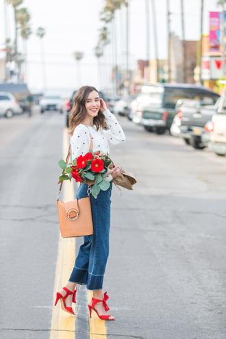 inspades blogger sweater jeans shoes jewels bag