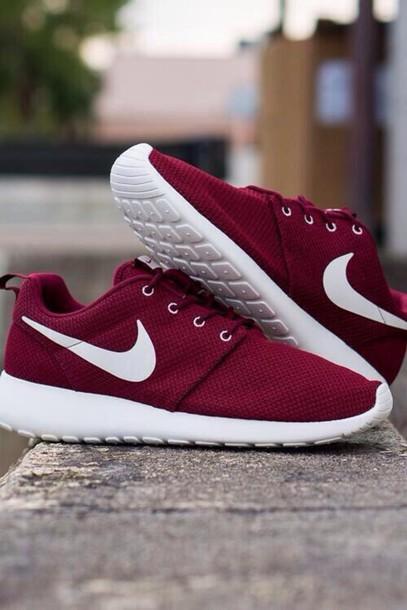 shoes burgundy white nike roshes wheretoget