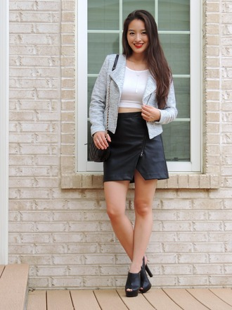 sensible stylista blogger banana republic black skirt grey jacket mules