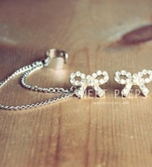 jewels,bow,earrings