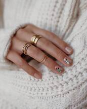jewels,tumblr,jewelry,accessories,Accessory,gold ring,nail polish,nail art,nails,knuckle ring