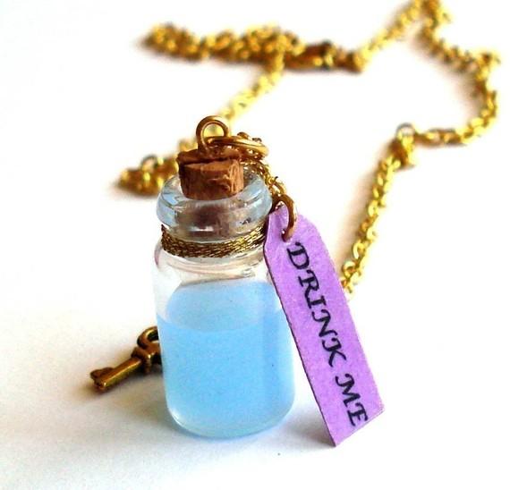 Trink mich Halskette Drink Flasche mir Alice im von FatallyFeminine