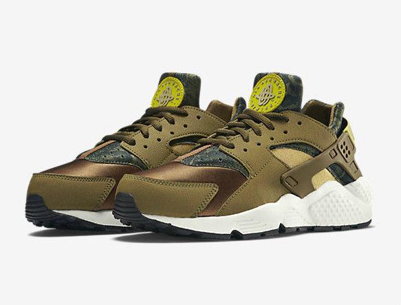 finest selection 42ebd 40ab7 Nike Air Huarache Snakeskin