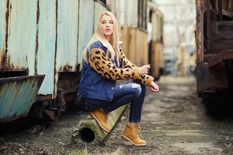 meri wild jacket t-shirt jeans shoes