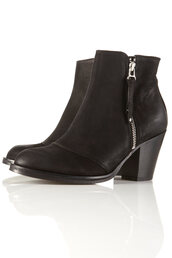 shoes,black boots,black ankle boots,ankle boots,leather boots,topshop