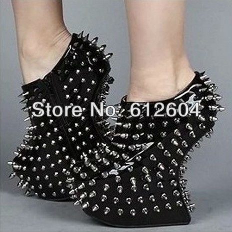 Punk style spikes club wedge pumps for women bling black patent leather rivets heelless platform pumps ankle booties