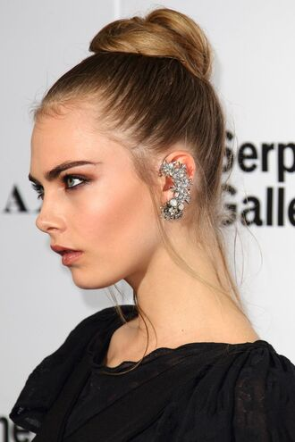jewels earrings ear cuff jewelery silver earring crystal earring crystal ear cuff cara delevingne