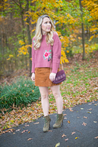pearls&twirl blogger sweater skirt shoes bag jewels fall outfits mini skirt purple bag ankle boots pink sweater