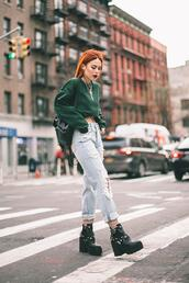 le happy,blogger,sweater,jeans,shoes,green sweater,fishnet tights,ripped jeans