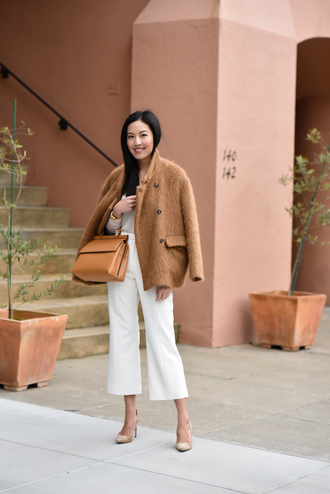 bag tumblr work outfits jacket brown jacket pants cropped pants white pants pumps