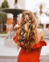hair accessory,hair bow,floral,hair,hairstyles,brunette