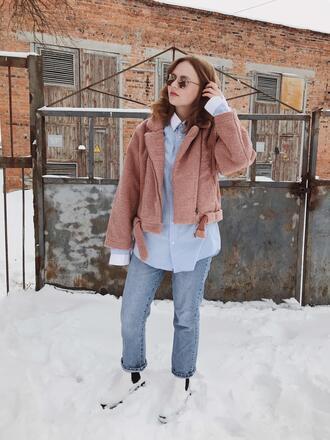 kristina magdalina blogger sunglasses coat shirt jeans